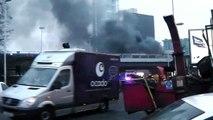 Un hélicoptère se crashe en plein centre de Londres A helicopter crashes in central London