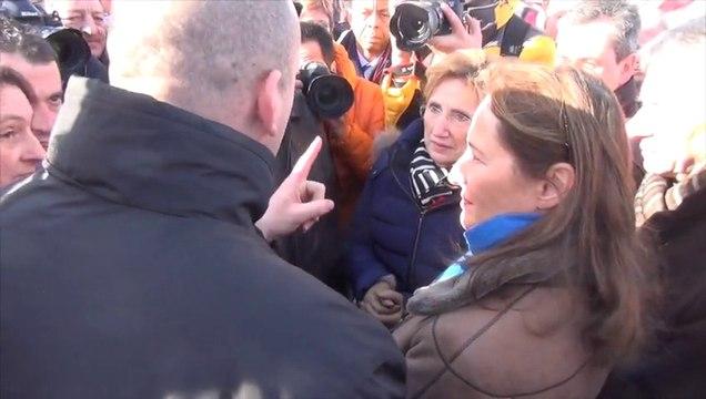 Ségolène Royal rencontre les salariés de l'abattoir AIM au Mont-Saint-Michel