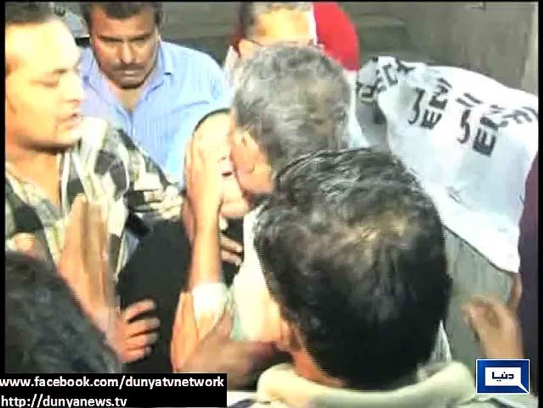 Dunya news- Hyderabad: Van catches fire as cylinder explodes, 10 dead