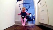 Danse irlandaise de bébé jolly jumper