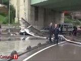 Kadıköy'de köprü korkulukları çöktü