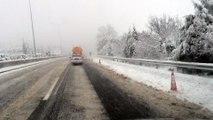 Χιόνια στην εθνική οδό Αθηνών Λαμίας