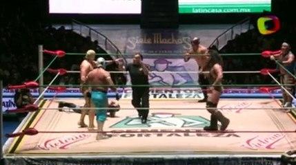 Ángel de Oro, Stuka Jr., Titán vs Bárbaro Cavernario, Felino, Pólvora