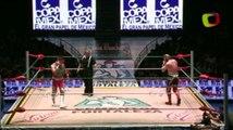 Rey Cometa vs Niebla Roja in a lightning match
