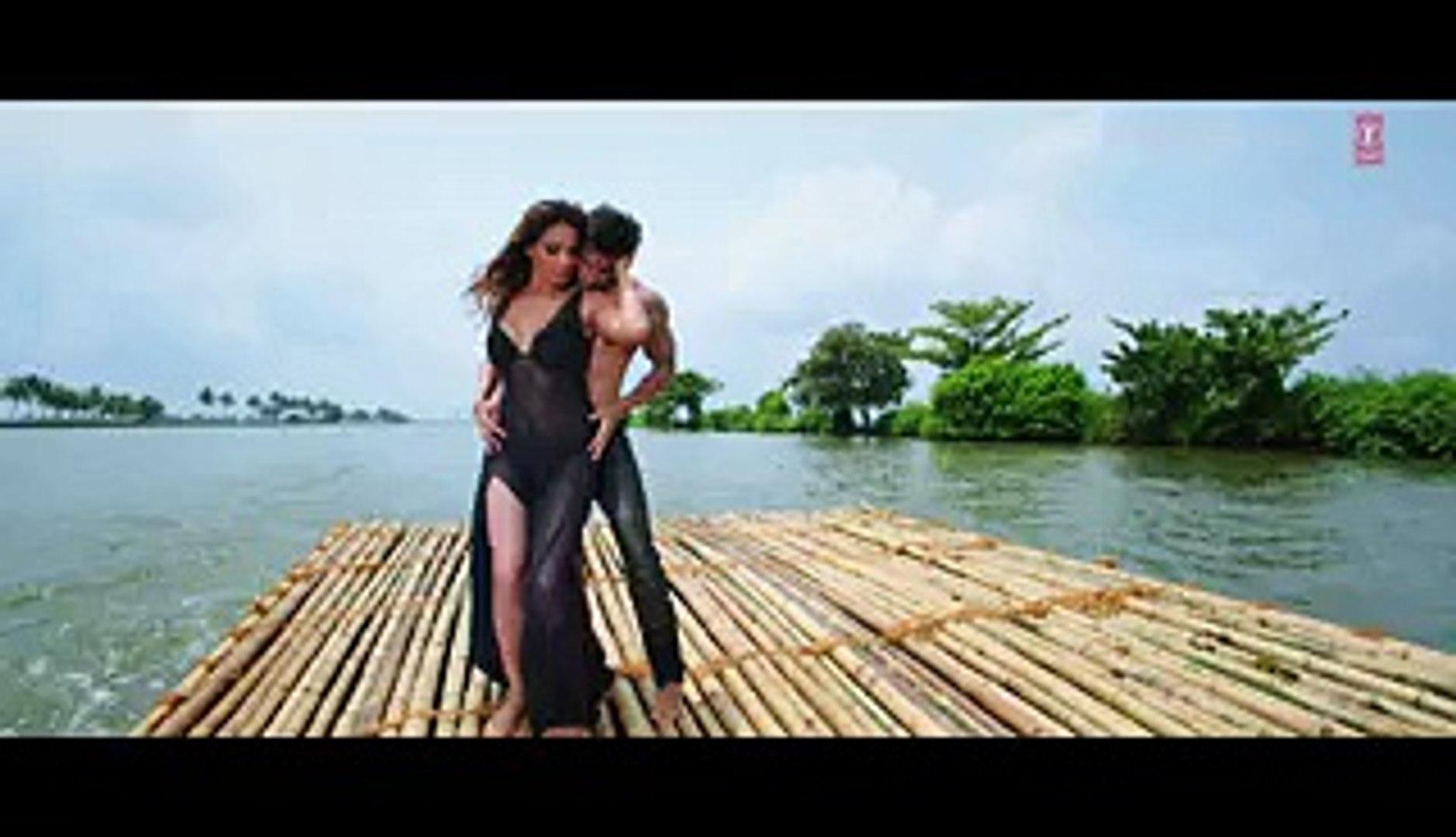 Exclusive- Bipasha Basu Interview - Alone - Bollywood Interviews