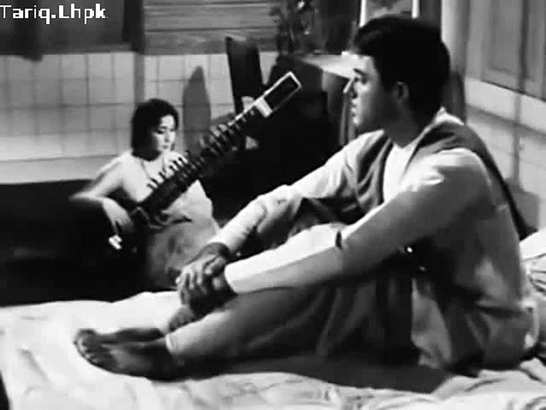 Hum Tere Pyar Mein Saara Alam Khoo Bethe=1963