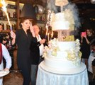 Ali Ağaoğlu ile Sevgilisi İçin Otel Kapattı