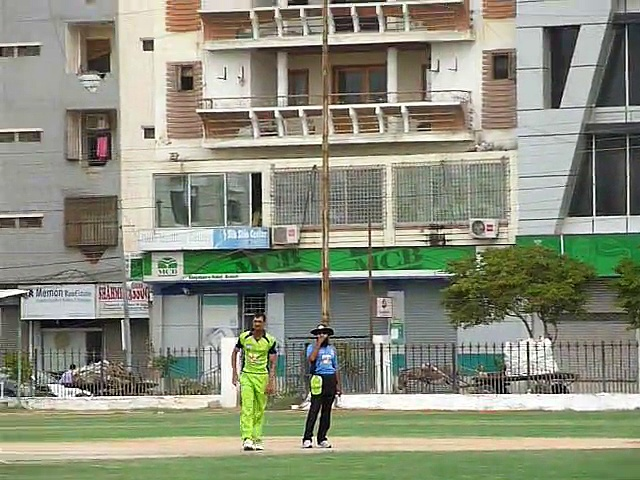 01 of 13 DANIYAL AHSAN HITS A SIX vs FARAZ A KHAN LLS 26-07-2014  CRICKET COMMENTARY BY PCB COACH PROF. NADEEM HAIDER BUKHARI  2nd SEMI FINAL  OMAR CRICKET CLUB KARACHI  vs  TAPAL CRICKET CLUB KARACHI   *** 3rd VITAL 5 CLUB CRICKET RAMZAN CRICKET FEST (3)