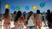 """Groupama - assurance santé et prévoyance, """"Camapgne Santé, La plage, La photo, Papier bulle, avec Cerise"""" - septembre 2011 - """"La plage"""""""