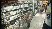"""Monoprix - supermarché - juin 2010 - """"Monoprix.fr"""", """"Laisse nous faire"""", """"Le produit trop haut, version courte"""""""