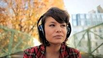 """Min. de la Culture et de la Communication - La carte musique, """"Les écouteurs, On n'a jamais fini de découvrir la musique"""" - novembre 2011"""