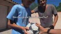 """Volkswagen - voiture Volkswagen Nouveau Touran - septembre 2010 - """"Les héros d'aujourd'hui"""", www.herosdaujourdhui.fr, football"""
