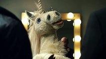 "Wrigley's - bonbons Wrigley's Juicy Fruit, ""Serenading Unicorn performs Gangsta's Paradise"" - mars 2011"