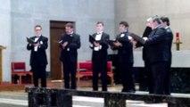 Schola Pacis sings Still, Still, Still