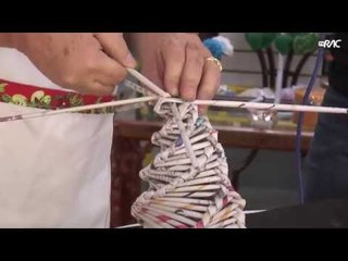 Simples Assim: Aprenda a fazer uma árvore de natal com jornal