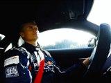 David Coulthard brûle la gomme en Mercedes-AMG GT