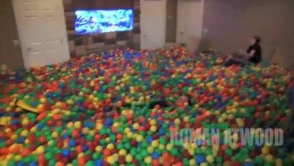 Il transforme son salon en piscine à balles