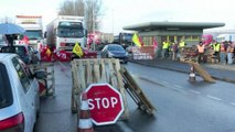 Grève: les routiers maintiennent la pression sur les organisations patronales