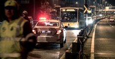 Makas Atarak İlerleyen Otomobil Durağa Daldı: 1 Ölü, 2 Yaralı