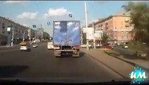 Kadınların Komik Araba Kazaları - Women Driving Best Fail