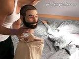 GIRLFRIEND FAKE HEAD IN BED SCARE PRANK - PRANKVSPRANK