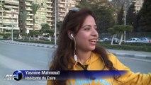 Au Caire, de femmes affrontent à vélo bouchons et harcèlement