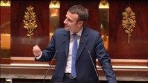 """Emmanuel Macron accuse un député UMP d'""""escroquerie intellectuelle"""""""