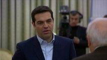 Sans cravate, Alexis Tsipras a été investi Premier ministre