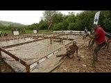 Adrénaline Shots : passage de l'obstacle de The Mud Day Paris du 10 mai 2014 de 13h30 à 13h45