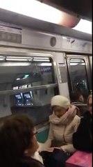 Un conducteur de métro parisien chante pour faire patienter les voyageurs
