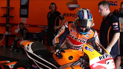 Honda Repsol GP World Champions 2014 - Marc Marquez with YUASA