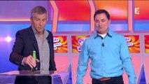 Sur France 2, il décapsule une bière... avec sa tête !