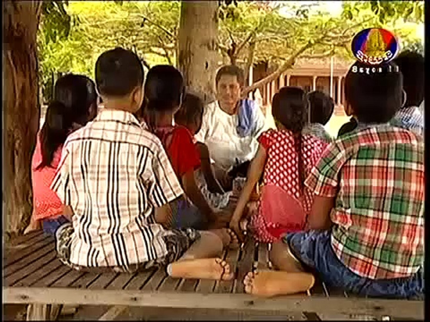 Khmer movie comedy 2015,A Lev Ep 01 - អាឡេវ,Khmer Movie Ah Lev (English Subtitles) News Khmer movie