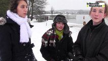 VIDEO. Les plaisirs de la neige au lac des Bretonnières à Joué-les-Tours