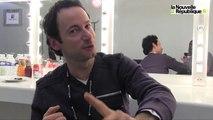 VIDEO. A Tours, Olivier Laurent chante Brel
