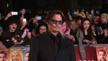 Johnny Depp 'picked mother over Paradis'
