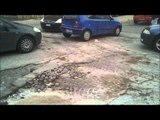 """Aversa (CE) - Strade gruviera, anche Via di Jasi """"non scherza"""" (06.02.15)"""