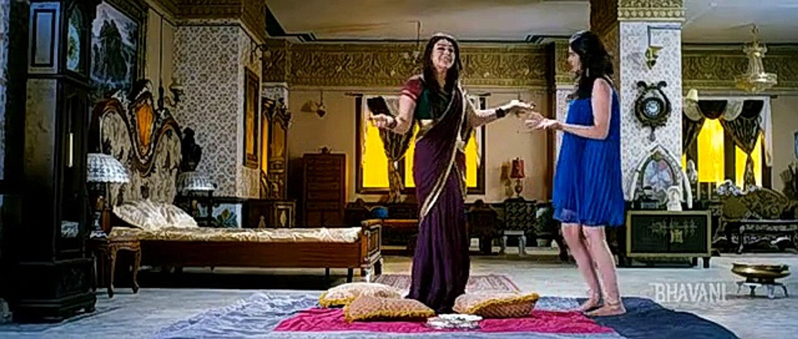 Hansika Motwani Hot Saree Changing Scene From Malayalam Remake Telugu Movie