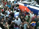 PTI workers attack Geo News van, Reporters,Abuse Anchorperson-Geo Reports-12 Dec 2014