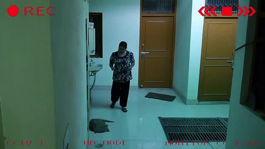 SECURITY CCTV Camera Caught Girl pushed by Ghost!! Real CCTV Footage Girl Spooked By Ghost