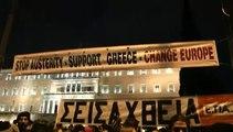 Des milliers de Grecs rassemblés à Athènes pour soutenir le gouvernement Tsipras
