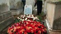 Une haie d'honneur pour Roger Hanin, enterré à côté de son père, près d'Alger