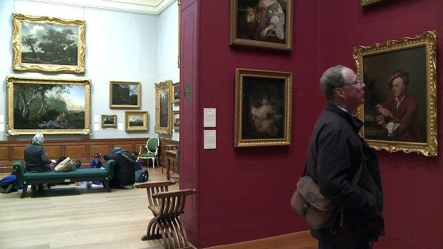 Jugar a detectives en una galería de arte