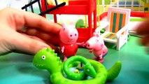 NEW Peppa Pig Holiday Sunshine Villa Playset Casa de Vacaciones y Vacanze by DC Disney Collector