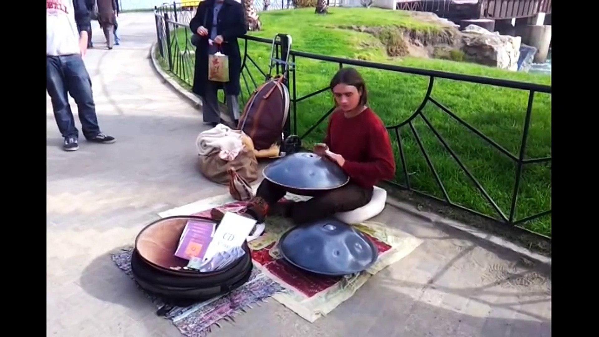 Amazing street musicians part 4: Magic sounds of Hang drum