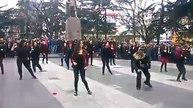 Trabzon Meydan Park'ında kadınlar dans etti.