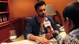 Atif Aslam Filmi Interview at OYE FM 2015