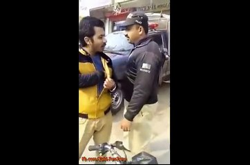 This is Punjab Police: Policeman Caught on Camera While Taking Bribes on Road