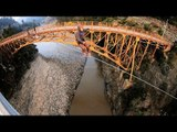 Two bridges, one slackline, crazy heights, ZERO VERTIGO   Slackline Adventures Chile, Ep. 2