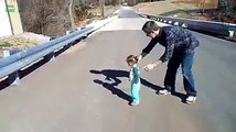 Children Reactions After Seeing Their Shadow - Funny Baby Clips